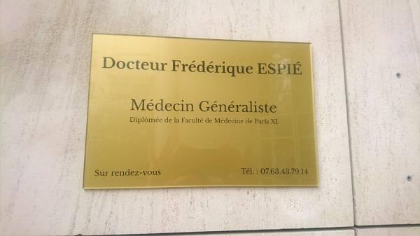 Plaque médecin : Réalisation de Monsieur Gravure